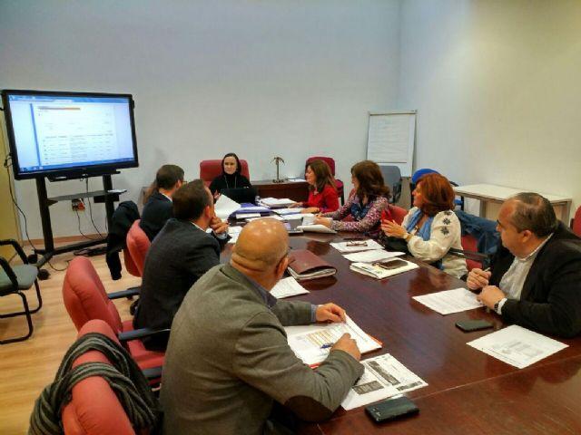 La Mesa de Contratacion adjudica el contrato para el diagnostico de la estructura de puestos de trabajo del Ayuntamiento - 1, Foto 1