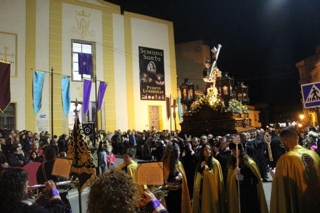 Las imágenes titulares de la Cofradía Nuestro Padre Jesús Nazareno desfilaron en la noche de Miércoles Santo - 1, Foto 1