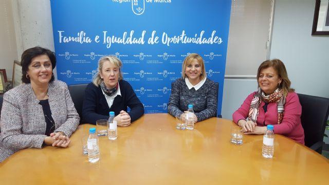 Familia estudia colaborar con la Cátedra de Hacienda Territorial de la UMU en la elaboración de trabajos de investigación - 1, Foto 1