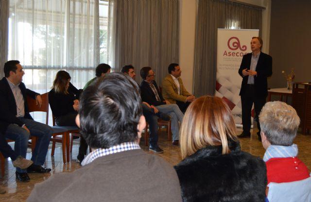 Bruno Dureux, presidente delCírculo de Economía de la Región de Murcia, participa en los Desayunos de ASECOM - 1, Foto 1
