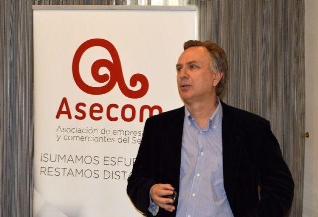 Bruno Dureux, presidente delCírculo de Economía de la Región de Murcia, participa en los Desayunos de ASECOM - 2, Foto 2