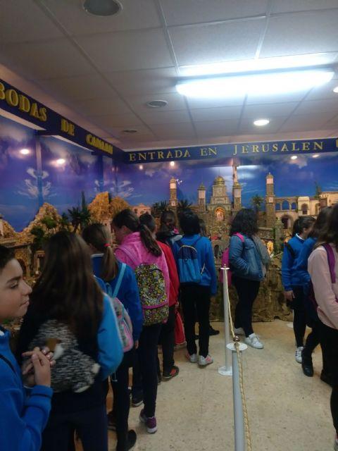 Los colegios torreños, de visita a la exposición permanente de Semana Santa - 2, Foto 2