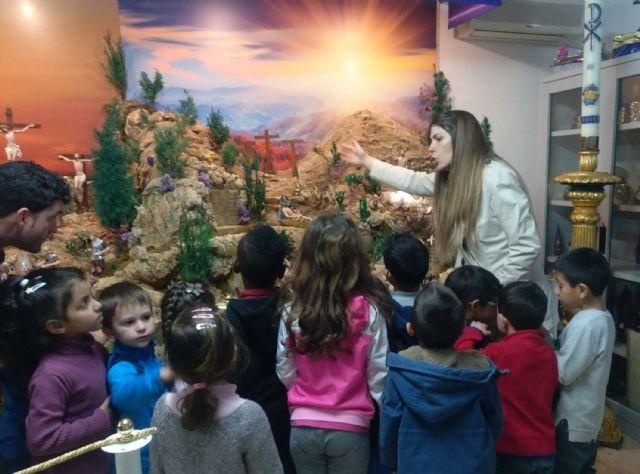 Los colegios torreños, de visita a la exposición permanente de Semana Santa - 4, Foto 4