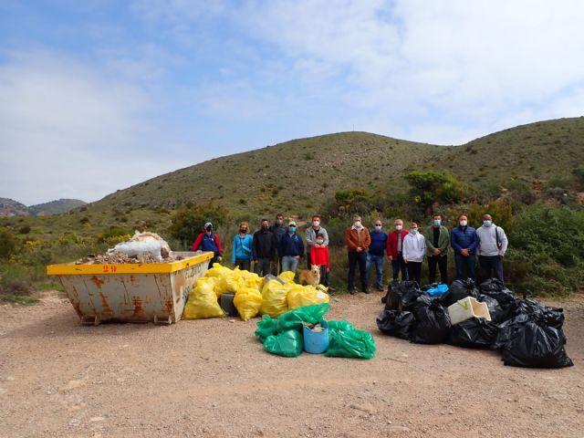 ARBA Cartagena-La Unión realiza una macrolimpieza de escombros y residuos en Portmán - 2, Foto 2