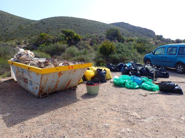 ARBA Cartagena-La Unión realiza una macrolimpieza de escombros y residuos en Portmán - 3, Foto 3