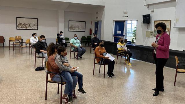 El Ayuntamiento de Puerto Lumbreras entrega diplomas a 30 alumnos de formaciones ocupacionales del programa Currélatelo - 3, Foto 3