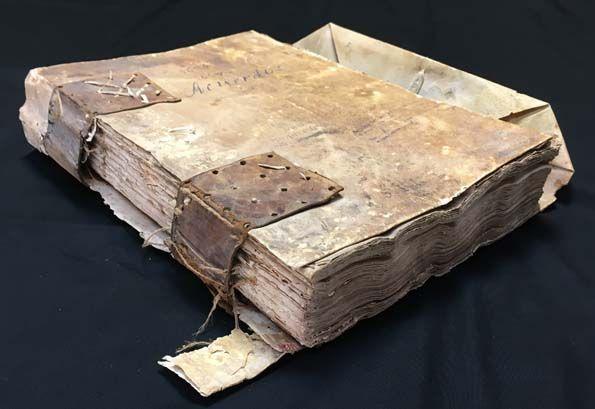 El libro de actas del ayuntamiento de 1631 a 1637 luce completamentamente restaurado - 1, Foto 1