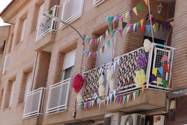Premios del concurso de decoración de balcones y ventanas Los Mayos 2021, Foto 1