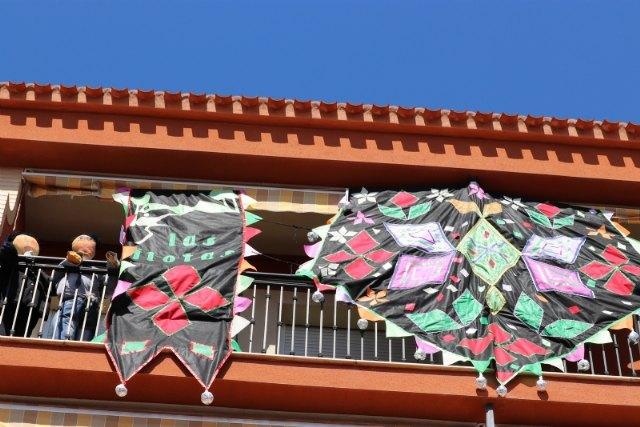 Premios del concurso de decoración de balcones y ventanas Los Mayos 2021, Foto 2