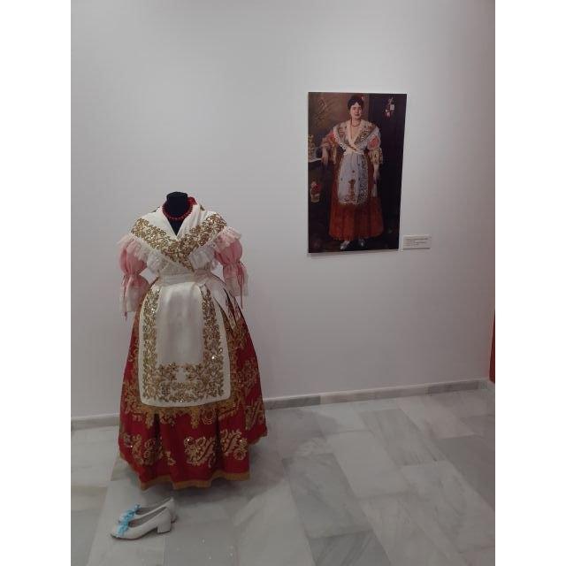 Doña Isabel María Baltasara López y López, hija y benefactora de Villanueva del Río Segura, en la exposición murciana: Creación de un Icono - 2, Foto 2