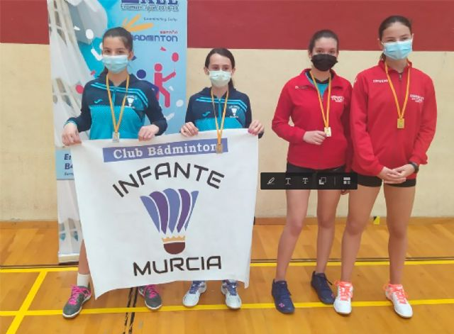 El pabellón Mireia Belmonte acoge la apertura del torneo interescuelas de bádminton - 2, Foto 2