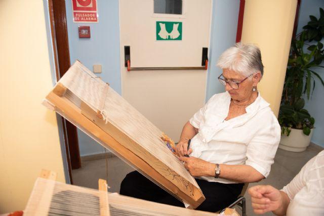Exposición de talleres para cerrar el mayo cultural del centro de personas mayores de puerto de Mazarrón - 5, Foto 5