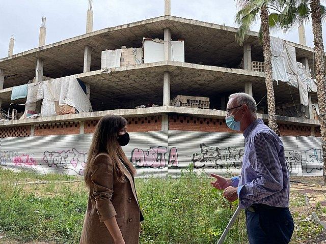 La dejadez del líder del tripartito murciano devuelve los okupas al entorno del barrio de San Pío X - 1, Foto 1