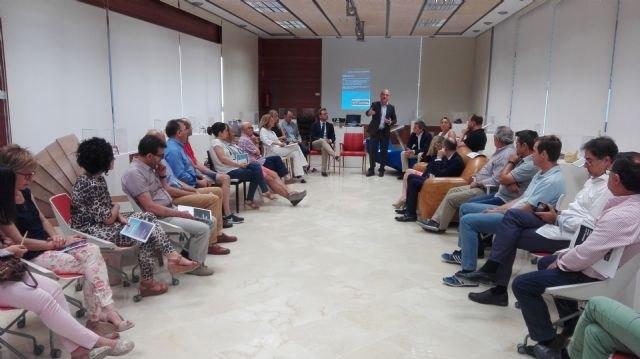 La Comunidad pone en marcha el primer plan para modernizar el sector del mueble, fomentar su internacionalización y la creación de empleo - 1, Foto 1