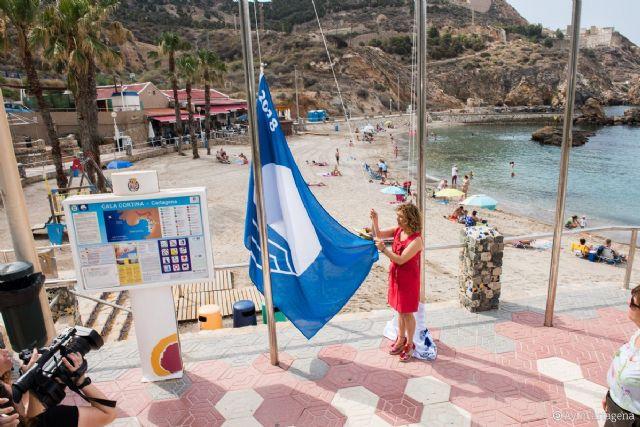 En las playas de Cartagena ya lucen las Banderas Azules y de Q de Calidad Turística - 1, Foto 1
