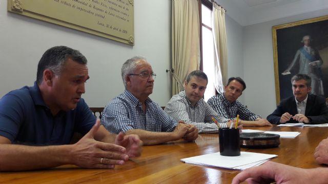 El Alcalde exige soluciones inmediatas para que los agricultores de las 2.000 hectáreas afectadas por la avería de la desaladora puedan salvar sus producciones - 1, Foto 1
