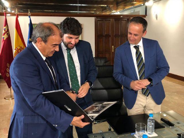 López Miras recibe al presidente de la Unión de Cooperativas de la Región de Murcia (Ucomur) - 1, Foto 1