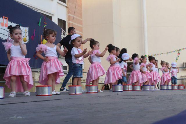 Más de un centenar de alumnos de las guarderías municipales de Puerto Lumbreras celebran su acto de graduación - 2, Foto 2