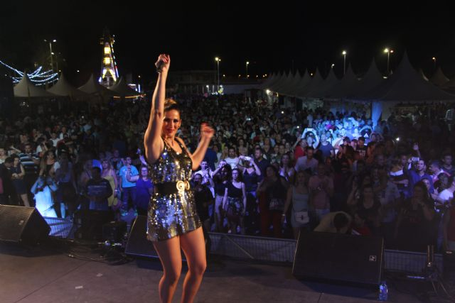 El festival 'Un viaje a los 90' transforma el recinto ferial de San Pedro del Pinatar en una gran discoteca - 2, Foto 2