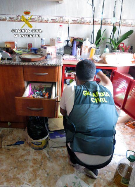 Desmantelan un punto de venta de droga al menudeo en un domicilio de Totana, Foto 2