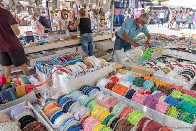 La Junta de Venta Ambulante acuerda que el mercado del Cénit abra todos los sábados de diciembre - 1, Foto 1