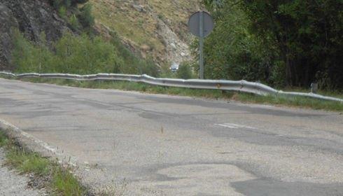 El 30% de las barreras de seguridad instaladas en las carreteras españolas presentan defectos de conservación