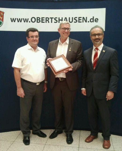 Obertshausen recuerda a Caravaca con una réplica de la Cruz de más de dos metros - 5, Foto 5