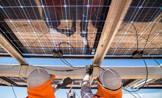 Se bonificará un 75% el ICIO a la empresa que quiere construir una de las mayores plantas de paneles solares móviles del país por las contraprestaciones sociales que contempla el proyecto