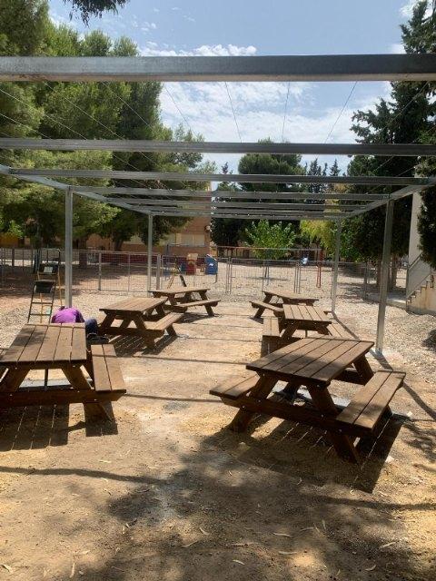 Nueva zona de actividades al aire libre y sombra vegetal en el CEIP Ginés Díaz - San Cristóbal, Foto 1
