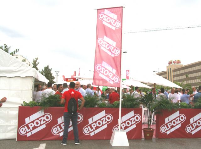 ElPozo Alimentación acoge con éxito la décima etapa de La Vuelta a España en sus instalaciones, Foto 3