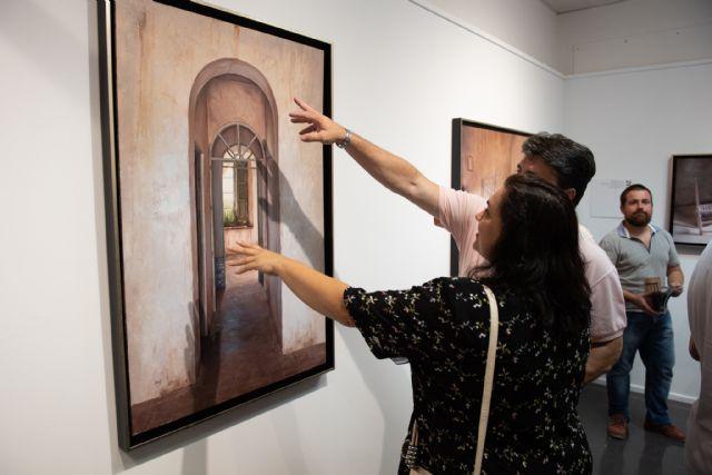 Navarro Menchón ofrece una visita guiada a su exposición de la Casa del Mar, Foto 2