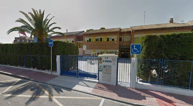La Consejería de Educación invierte 12.390,92 euros para acondicionar dos nuevas aulas en el CEIP El Romeral - 1, Foto 1