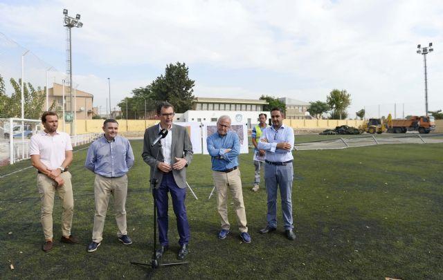 Arrancan las obras del campo de fútbol de Churra, que permitirán ampliar sus dimensiones y renovar el césped - 4, Foto 4