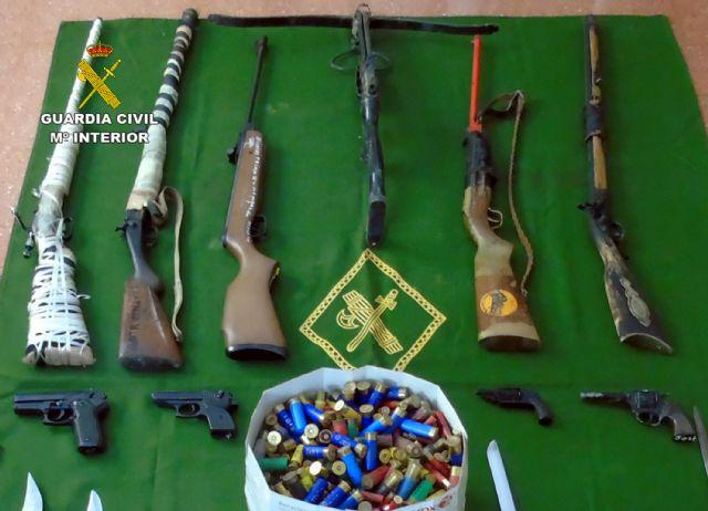 La Guardia Civil descubre un arsenal escondido en una vivienda tras un caso de violencia de género - 1, Foto 1