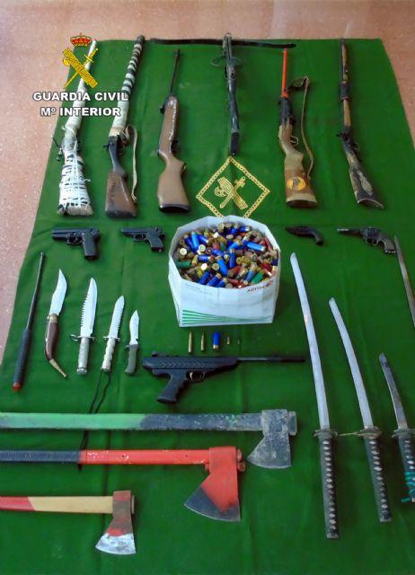 La Guardia Civil descubre un arsenal escondido en una vivienda tras un caso de violencia de género - 3, Foto 3