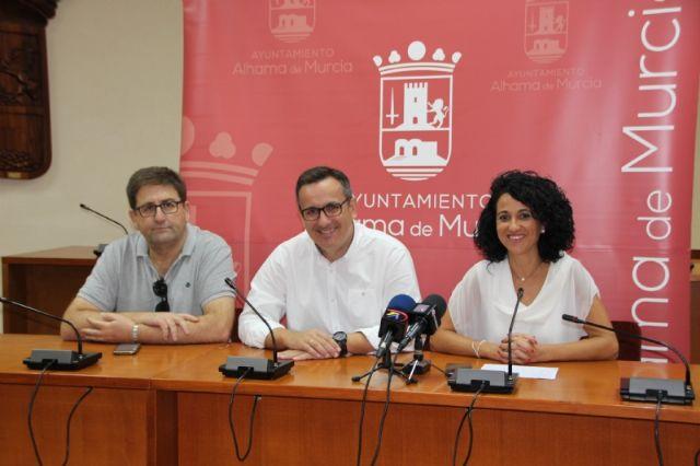 El Ayuntamiento renueva el convenio de colaboración con la Asociación de Comerciantes, Foto 1