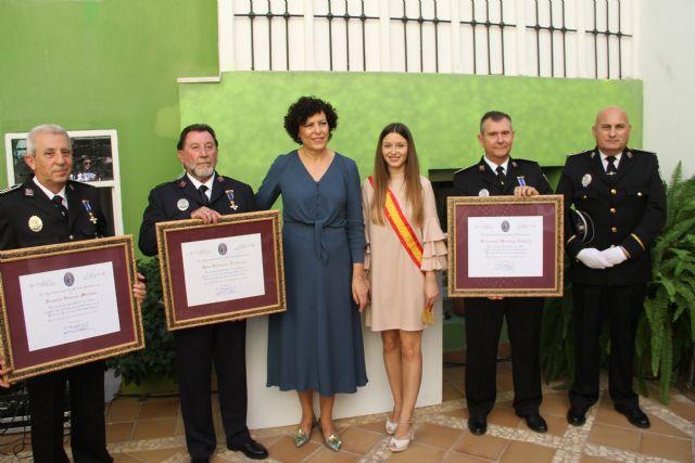La Policía Local de Puerto Lumbreras conmemora el día de sus patronos y homenajea a tres agentes por su jubilación - 2, Foto 2