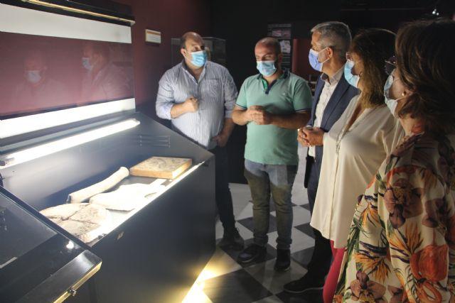 El Ayuntamiento del Pilar cede piezas romanas al museo arqueológico y etnográfico Barón de Benifayó - 1, Foto 1