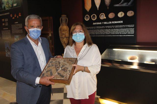 El Ayuntamiento del Pilar cede piezas romanas al museo arqueológico y etnográfico Barón de Benifayó - 2, Foto 2