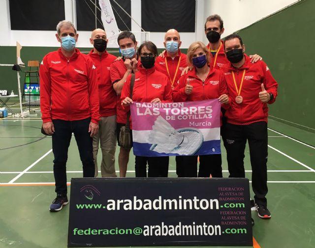 Dos oros y cincos bronces para el Bádminton Las Torres en el campeonato de España senior - 2, Foto 2