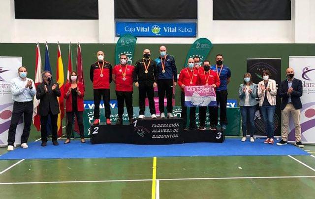 Dos oros y cincos bronces para el Bádminton Las Torres en el campeonato de España senior - 3, Foto 3