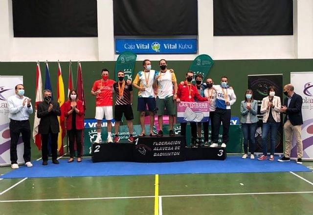 Dos oros y cincos bronces para el Bádminton Las Torres en el campeonato de España senior - 4, Foto 4