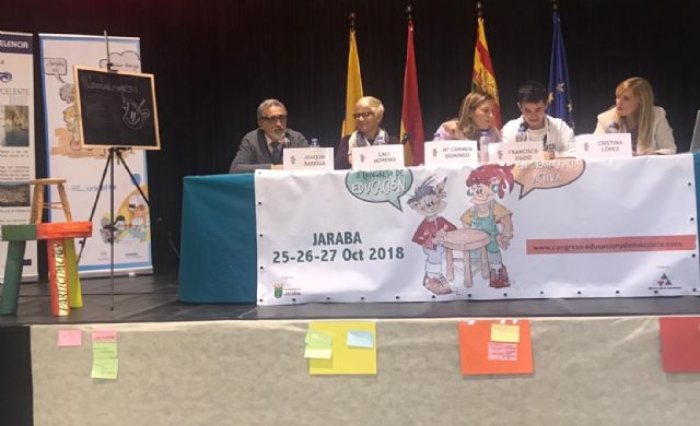 The Councilor for Education presents the experiences of the Totana Children's Plenary in the II Congress of Education in Active Democracy, - 1