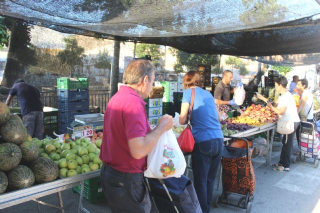 El Mercadillo Semanal en El Paretón se adelanta esta semana del viernes al jueves por coincidir con la festividad de Todos los Santos