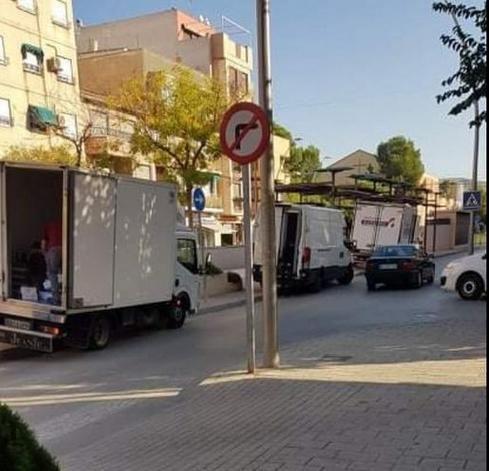 VOX Cieza propone acondicionar una zona de carga y descarga en beneficio de transportistas, comerciantes y vecinos - 1, Foto 1