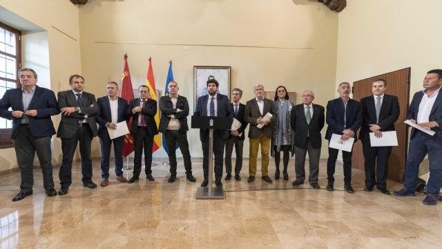 López Miras anuncia acciones legales ante la decisión del Gobierno de España de cerrar el trasvase Tajo-Segura, Foto 2