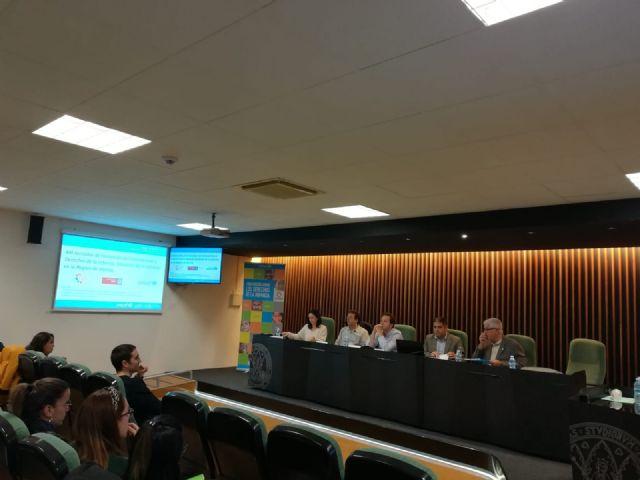 La Universidad de Murcia aborda la situación y los derechos de la infancia en unas jornadas - 1, Foto 1