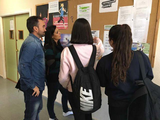 El IES 'Salvador Sandoval' cuenta este curso con dos nuevas corresponsales juveniles - 2, Foto 2