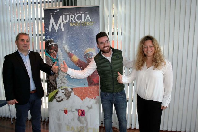 Alcantarilla colabora otro año más en el programa para jóvenes Murcia Bajo Cero°, de viajes a la nieve para esquiar en Sierra Nevada y La Masella - 1, Foto 1