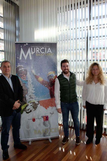 Alcantarilla colabora otro año más en el programa para jóvenes Murcia Bajo Cero°, de viajes a la nieve para esquiar en Sierra Nevada y La Masella - 2, Foto 2